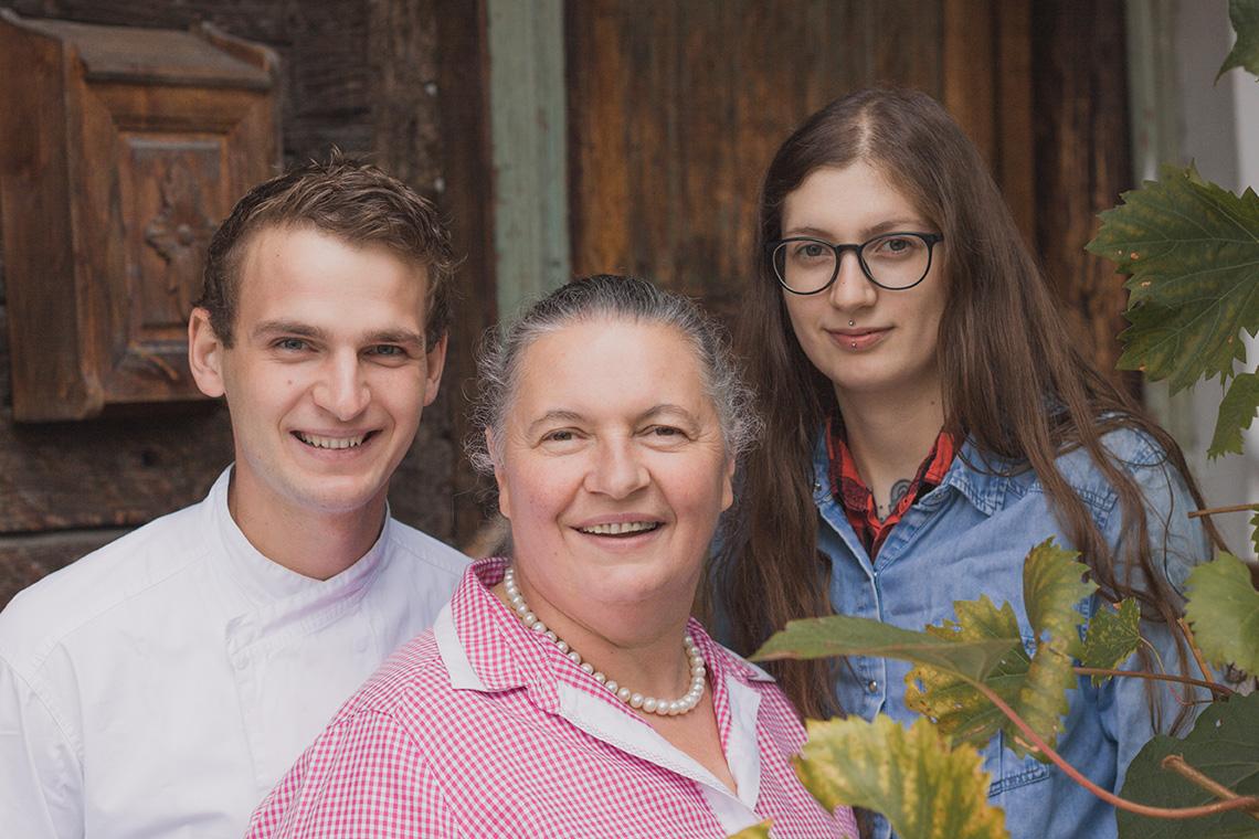 Familie Bacher: v.l.n.r. Tobias, Theresia und Angelika Bacher
